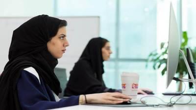 سعودی عرب: حکومت کا 35 ہزار خواتین کو روزگار فراہم کرنے کا فیصلہ