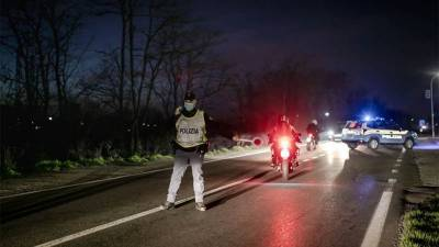 کورونا وائرس: یورپ کے شینگن ایریا میں سرحدیں بند ہونے کا خطرہ