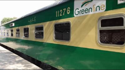 لاہور سے کراچی جانے والی گرین لائن ٹرین بڑے حادثے سے بچ گئی
