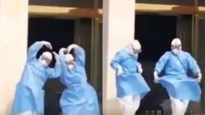 کرونا وائرس پر قابو پانے کے بعد چینی ڈاکٹرز کا جشن