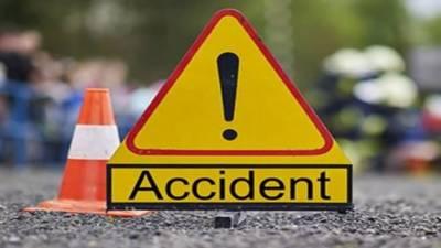 نواب شاہ: تیز رفتار کارالٹنے سے2 افراد جاں بحق