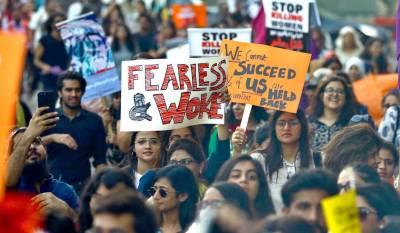 سندھ ہائی کورٹ:خاتون نے عورت مارچ کے خلاف درخواست دائر کردی