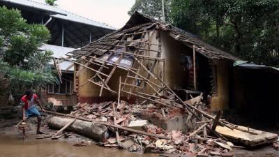 بھارت ، طوفانی بارشوں کے باعث گھر کی چھت گرنے کے نتیجے میں 4 افراد ہلاک ، ایک شخص زخمی