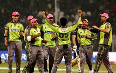 پی ایس ایل: کوئٹہ گلیڈی ایٹر کی بیٹنگ ناکام، لاہور کو جیت کے لیے 99 رنز کا آسان ہدف