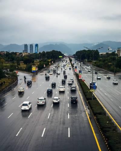ملک کے مختلف علاقوں میں پانچویں روز بھی بارش اور برفباری