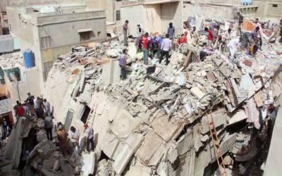 کراچی:گولیمار میں منہدم عمارتوں کے ملبے سے مزید 3 لاشیں برآمد، تعداد 23 ہو گئی
