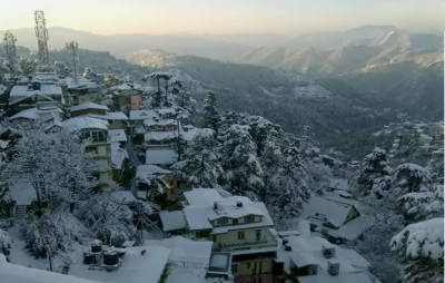 مری: برفباری، سیاحوں کی بڑی تعداد پہنچ گئی
