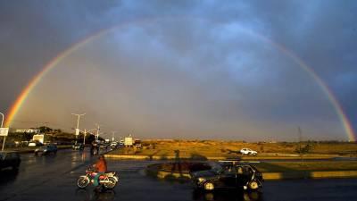 ملک کے مختلف علاقوں میں پانچویں روز بھی بارش اور برفباری جاری رہی