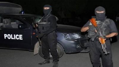فیصل آباد: پولیس مقابلے میں 2 ڈاکو زخمی حالت میں گرفتار