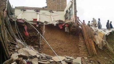 کوہاٹ میں مکان کی چھت گرنے سے میاں بیوی جاں بحق، 5 بچے زخمی