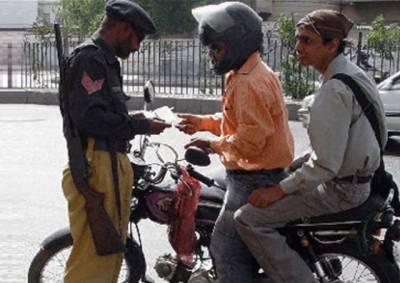 کراچی:موٹرسائیکل کی ڈبل سواری پر 15 دن کے لیے پابندی عائد