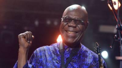 افریقی گلوکار مینو دیبینگو کورونا وائرس سے ہلاک