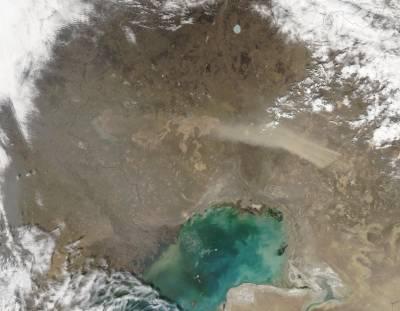 قازقستان میں تیز ہواؤں کے جھکڑ