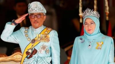 ملائیشیا کے بادشاہ اور ملکہ بھی قرنطینہ میں چلے گئے