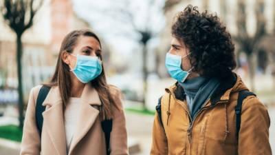 کرونا وائرس سانس لینے اور بات کرنے سے بھی پھیل سکتا ہے, امریکی سائنس دان