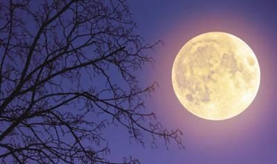سال کا چوتھا سپر مون آج، چاند زمین کے قریب ہوگا