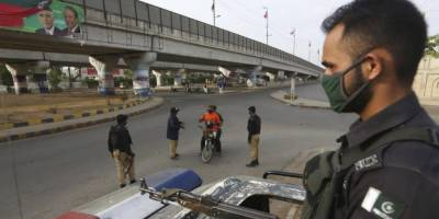 کراچی : لاک ڈاؤن مزید سخت، پولیس کو شہریوں سے سختی سے نمٹنے کی ہدایت