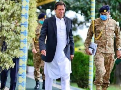 وزیر اعظم عمران خان کا حیات آباد میڈیکل کمپلیکس کا دورہ