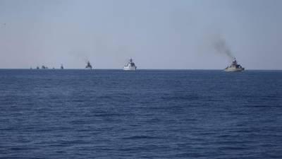 نامعلوم مسلح افراد کا خلیج عمان میں ایک بحری جہاز پرقبضہ
