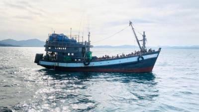 ملائیشیا جانے والے روہنگیا مسلمانوں کی کشتی 2 ماہ تک بحیرہ انڈیمان میں رہنے کے بعد بھوک سے 2 درجن افراد جاں بحق