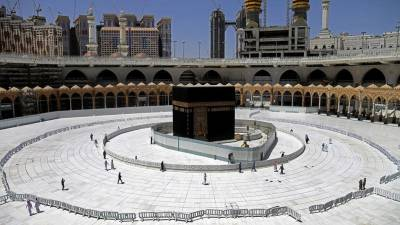 مسجدالحرام اورمسجد نبوی میں 10 رکعت نماز تراویح کی ادائیگی