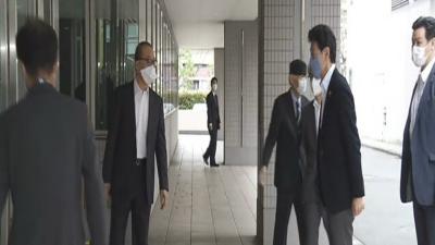 جاپانی وزیر کا کورونا وائرس کے خلاف دوا پر تحقیق کرنے والی یونیورسٹی کا دورہ