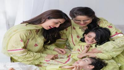 عائزہ خان کا والدہ اور بچوں کے ساتھ نیا فوٹو شوٹ جاری
