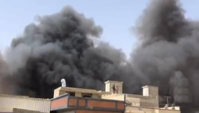 کراچی طیارہ حادثہ: جاں بحق افراد کی تعداد 54 ہوگئی، 2 مسافرمعجزانہ طور پر بچ گئے