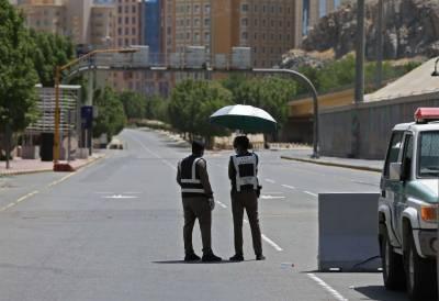 سعودی عرب نے مرحلہ وار کرفیو کھولنے کا اعلان کر دیا، مکہ مکرمہ میں برقرار