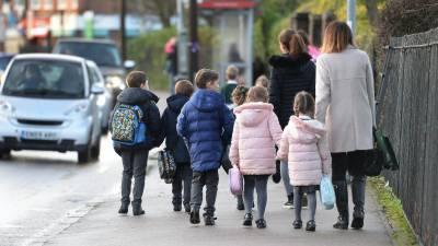 برطانیہ میں10 ہفتوں بعد اسکول کھل گئے،والدین کا بچوں کوبھیجنے سے انکار