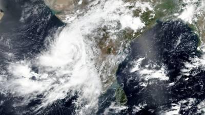 نرسگا طوفان مہاراشٹرا سے ٹکرا گیا،ایک لاکھ افرادمحفوظ مقام پر منتقل