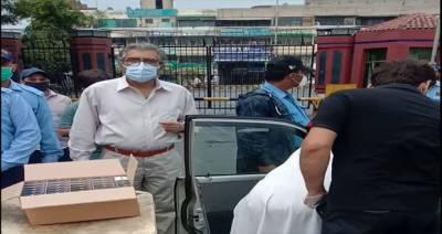 سروسز اسپتال لاہور میں ادویات کی بڑی چوری پکڑی گئی
