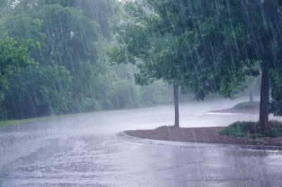 لاہور سمیت پنجاب کے مختلف شہروں میں بارش سے موسم خوشگوار