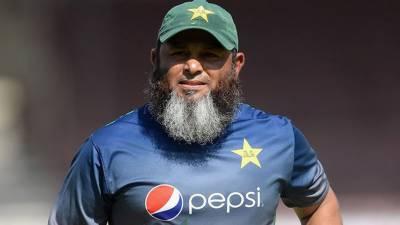 پاکستان کرکٹ ٹیم کے سپن باولنگ کوچ مشتاق احمد کا شاداب خان، حیدر علی اور حارث روف کے لیے نیک تمناوں کا اظہار خیال