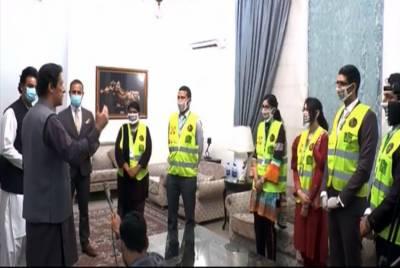 رضاکارانہ کام کرنے پر ٹائیگر فورس کے اہلکاروں کا مشکور ہوں: وزیراعظم