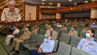 پاک فوج ملکی سلامتی و دفاع کیلئے پرعزم ، اندرونی و بیرونی چیلنجز جامع قومی حکمت عملی کے متقاضی ہیں: آرمی چیف