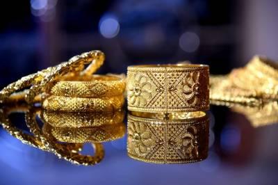 فی تولہ سونے کی قیمت 1 لاکھ 5 ہزار 200 روپے کی بلند ترین سطح پر پہنچ گئی
