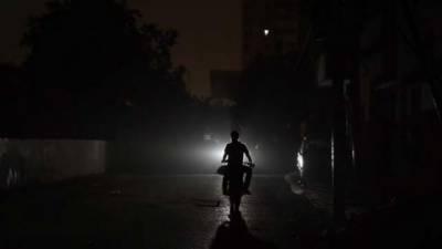 کراچی: بارش کے بعد معطل بجلی اب تک بحال نہ ہوئی