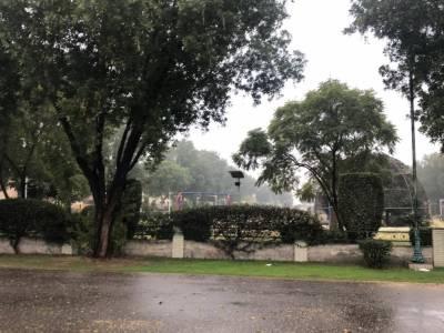 ملک کے بیشتر علاقوں میں بارش، موسم خوشگوار ہو گیا