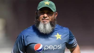 تماشائیوں کی عدم موجودگی میں کھلاڑیوں کو خود ایک دوسرے کی حوصلہ افزائی کرنی ہے، مشتاق احمد