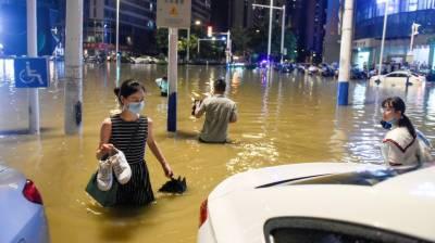 چین میں شدید بارشوں سے سیلاب آگیا، درجنوں افراد ہلاک اور لاپتا