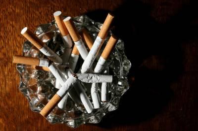 برطانیہ میں کورونا خوف سے دس لاکھ افراد نے سگریٹ نوشی ترک کر دی