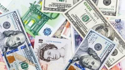 کرنسی مارکیٹ میں ڈالر کے مقابلے میں روپے کی قدر دوبارہ کم ہونا شروع ہو گئی