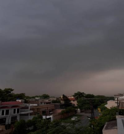 لاہورسمیت پنجاب کے بیشتر شہروں میں موسلادھار بارش، عید کا لطف دوبالا ہو گیا