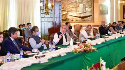 بھارت مقبوضہ جموں و کشمیر کا آبادیاتی تناسب تبدیل کرنا چاہتا ہے جو بین الاقوامی قوانین کے منافی ہے۔وزیرخارجہ