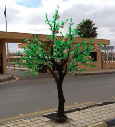 سعودی عرب ، حائل ریجن میں پلاسٹک کے درختوں کی' شجر کاری'