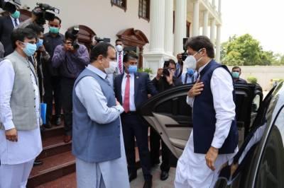 لاہور: وزیر اعظم کی وزیر اعلیٰ پنجاب عثمان بزدار سے ملاقات