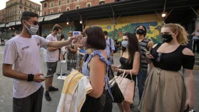 اٹلی، کورونا وائرس کے کیسز میں اضافہ، عوامی مقامات پر شام 6 تا صبح 6 بجے ماسک پہننے کا حکم جاری