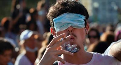 سپین میں سینکڑوں افراد کا پابندیوں کے خلاف احتجاج