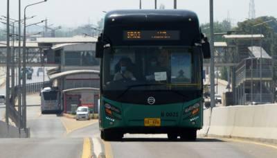 پشاور : بی آر ٹی منصوبے کی مقبولیت کے بعد بسوں کی تعداد بڑھانے کا فیصلہ